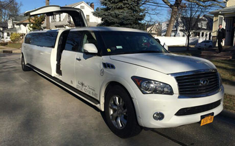 Gold Star Services - Infiniti Limousine - Long Island Limo Services NY